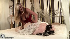 Two fantastically sexy sluts are devoted to each others wet clefts