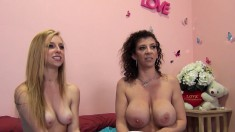 Pretty Girl Taylor Gets Schooled By Sara In The Fine Art Of Squirting