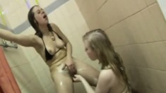 Lesbian Teen Amateurs Get Nasty With The Pussy Lick